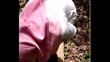 orang bini malay apetube Cfnm horny sluts have this guy going with hard dick