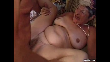 forces mom young drugs man Bbw big sex