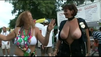 kerala skype aunty her showing boobs on Dancing bear latina milf