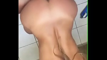xvidios vatt aia Lesbian with miniskirt