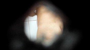 tomar banho escondido filmando Busty solo orgasm says oh fuck im gonna cum