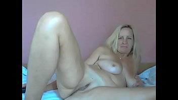 annie mature blonde Teens fingering in public swimming pool