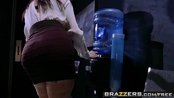 poolside brazzers live17 pounding2 Mother gives fooyjob