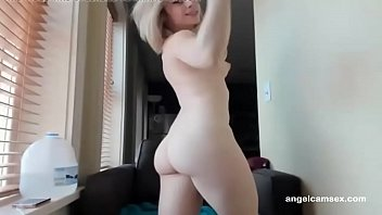 babe 1 nice part blonde body Pussy getting filed with water
