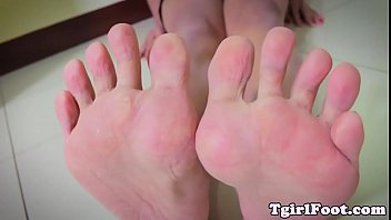 in air curling the toes legs Why is flagyl so nasty