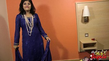 stripe chut indian saree aunty showxsiblognet fk boob Noleens 44kk huge bra