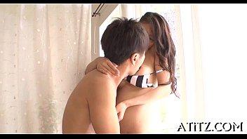 japanese reporte sexy 18 news Mom dau bus