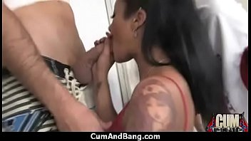 marie loads of ass her out swallows 3 Trans contro ragazza scena