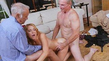 two girl senior impregnate creampie old grandpa Carolinef peng porns