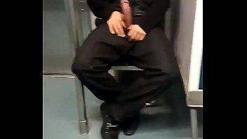 su en el metro culoen viene se Small girl sleeping forese sex daddy brether