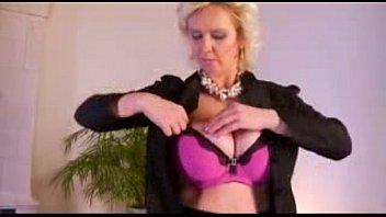 mature mom old blonde Videos porno y tu mama tambien full movie