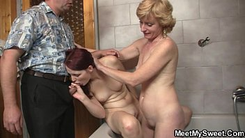his daugter fingers dad Very hot chubby cougar by troc