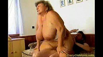 mom facial crazy Homemade skinny pussy