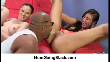 pussy son milking mom Indian auntie ki bathrooms me chudai