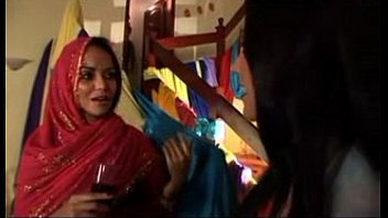 sexy indian video beta maa Sunny leone fuck bed room boy 3om