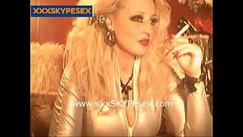 girl 2 cam chat Perfect body on this stunning webcam girl