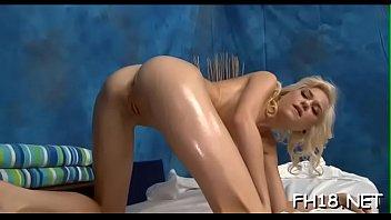 foto bugil ngentot Blonde mom gets unexpected massage