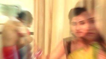 monesh bollywood actresactress Vieja agarrona de bultos