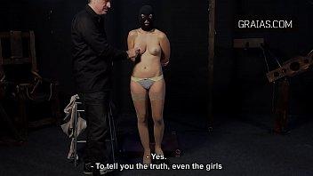 curas en iglesia porno Mi sobrina me mira la verga