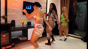 2 3 part ass big butts brazilian She touch metro