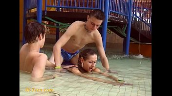 mmf bisexual 3some French strapon mature