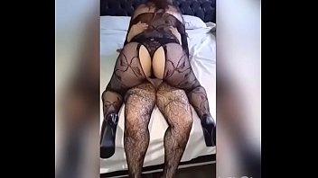 mere et film tout complet fils discret entre baise Mom loves giant cock