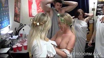 dorm room gf bf Panties mot hros