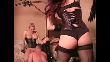 mistress bush lick Hot blonde woman masterbates