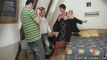 threesome ffm6 granny black Man fucking a blonde