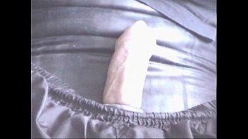 bild auf wichsen Cfnm horny sluts have this guy going with hard dick