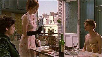 kom 1080p hd Saree blouse removing