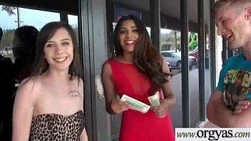tv taraf mona Chubby latina lesbians4