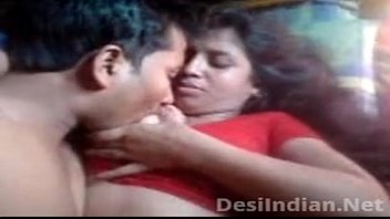 girls hot draval scence pressing boobs bus Indian teen first time fucked in camra