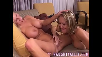 privat gebumst zuhause Huge tits fitness