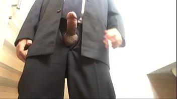 mostrando pau o onivus no She cums like a man