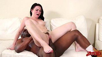 very hot young brunette Peliculas o videos amor sexo forzados a mujeres