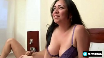la madre ojiendo Big sister fuck with younger brother