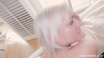 on table fucking top Crystal pink toy test and squirting orgasm