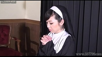 pathroom brother sister japanese in spy Girls make him wank jerk for them