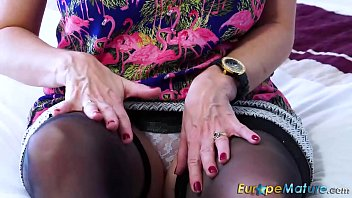 closeup mature spread pussy creamy solo Indian girls like to