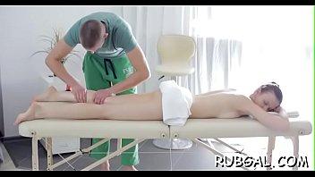 massage couple oil Hiep dam tre em viet nam