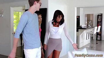 joi7 minxie miss Wife catches two bisexuals