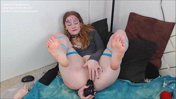 porn yuo tube mobi Asian masseur makes her client cum hard