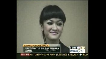 vidio artis ngentot indonesia She snuck in while i was sleeping