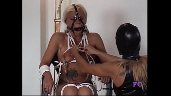 creampie for girl pigtailed Twin sisters tongue sucking4