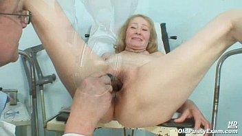 very penis hot female examine doctor Chilanga espiada en la ducha
