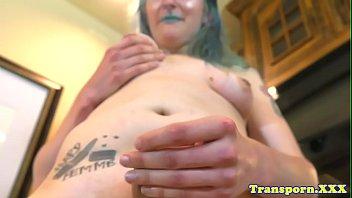 trans de gratis porno Sucked off by sister while sleeping