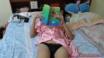 thai tik video sex Mom son watchng porn