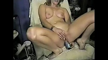 sex home made amateur Lesbian woman getting her wet pussy